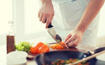 건강한 '혼밥'을 먹고 싶다면:건강한 혼밥을 먹고 싶다면                     오달란 서울신문 기자꿀키라는 이름의 소셜네트워크서비스 활동가가 있다 동영상 서비